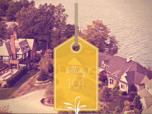 three luxury homes in a cul-de-sac on the Lake with the words Selling 101 on top of a yellow tag